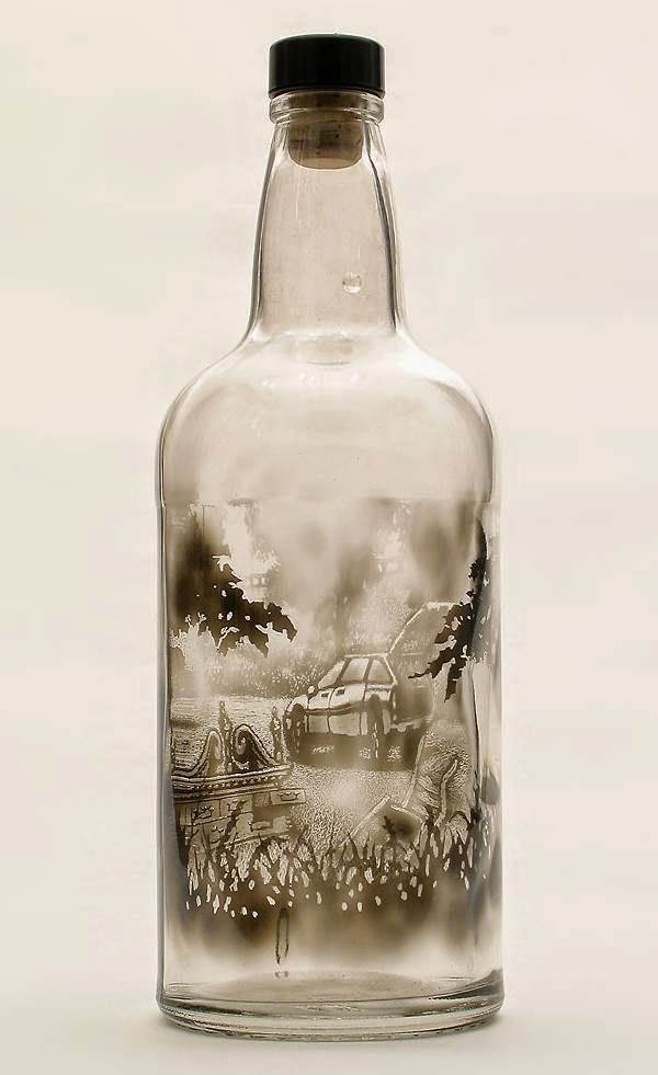 رسومات بالدخان محبوسه داخل زجاجة 637077321.jpeg