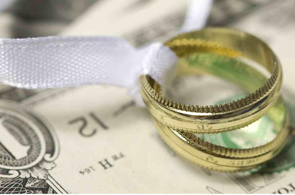 نصائح لتجنب الاسراف في ميزانية الزفاف 2017 767564379.jpg