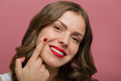 الخلطة السحرية لازالة الجلد الميت وتجديد البشرة