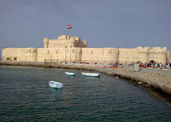 تعرف على قلعة قايتباي التاريخية في الاسكندرية 2018 536630876.jpg