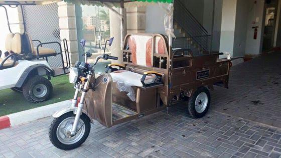 شر البلية ما يضحك، سيارات تعمل بالكهرباء في غزة!